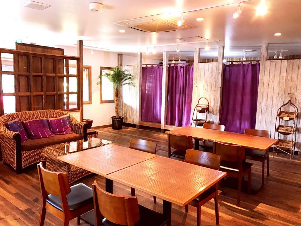 サロンインテリア ヘルティー カフェテーブル バリ家具